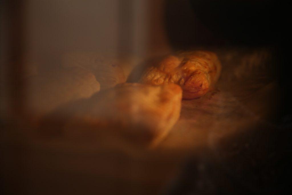焼きたてのあったかいアップルパイをみんなで。